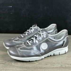 Mephisto Yael Runoff Silver Leather Shoes